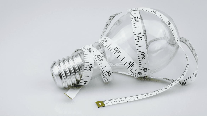 Comment mesurer la lumière, ampoule avec un mêtre autour