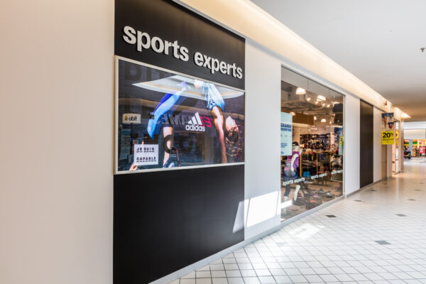 Beloeil Sport Expert storefront facade lighted with Stanpro luminaires to improve the customer experience and attract people's eye